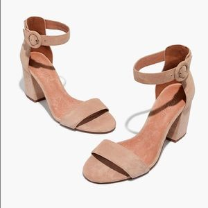 Madewell Regina Ankle-strap Sandle in Nude Suede